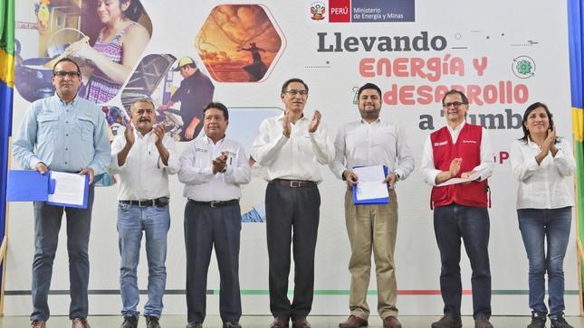 Perú suscribe contrato que llevará el gas natural a más de 16 mil familias de Tumbes