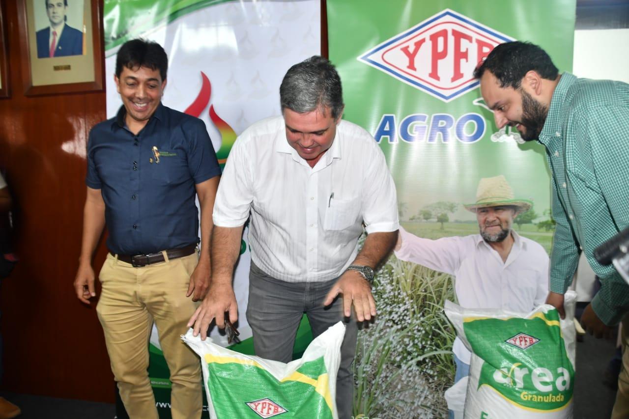 Minister Zamora guarantees provision of cheap urea for the domestic market