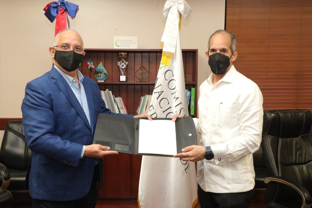 Dominican Republic signs new renewable energy contracts