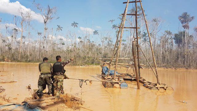 Congresistas de Perú impulsan traspaso de bienes de minería ilegal
