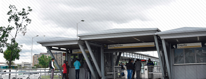 Bogotá libra batalla desigual para mejorar sistema de transporte