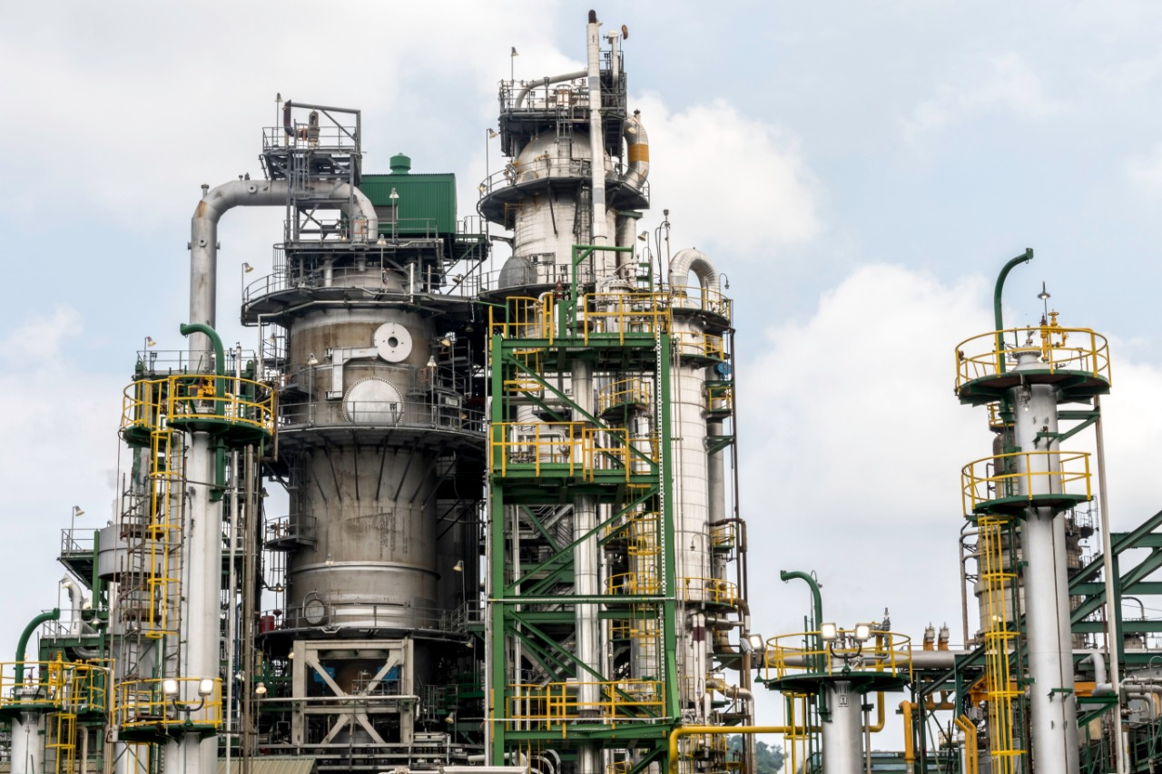 Consorcio internacional confirma interés en refinería ecuatoriana Esmeraldas