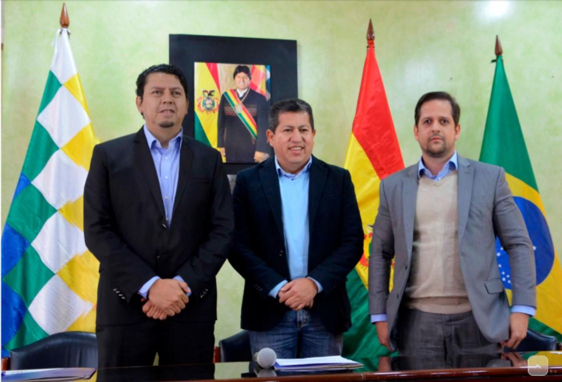 Bolivia cierra contrato para la venta de 2,2 MMmcd de gas a la empresa privada brasileña Ambar
