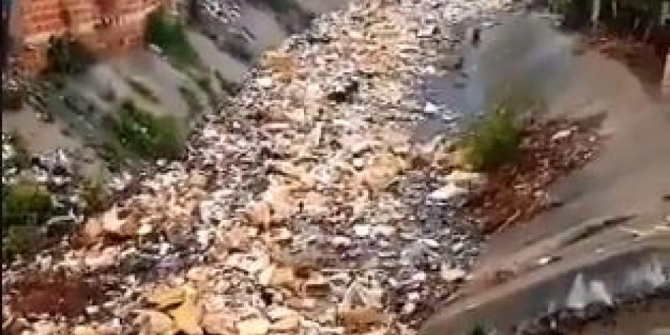 Waste in river prompts water cuts in Barranquilla
