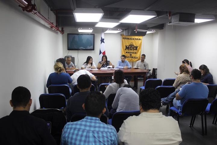 Nueve empresas apuestan por contrato vial en Panamá