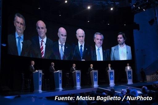 Fernández dispara y Macri pide consenso para construir credibilidad de Argentina