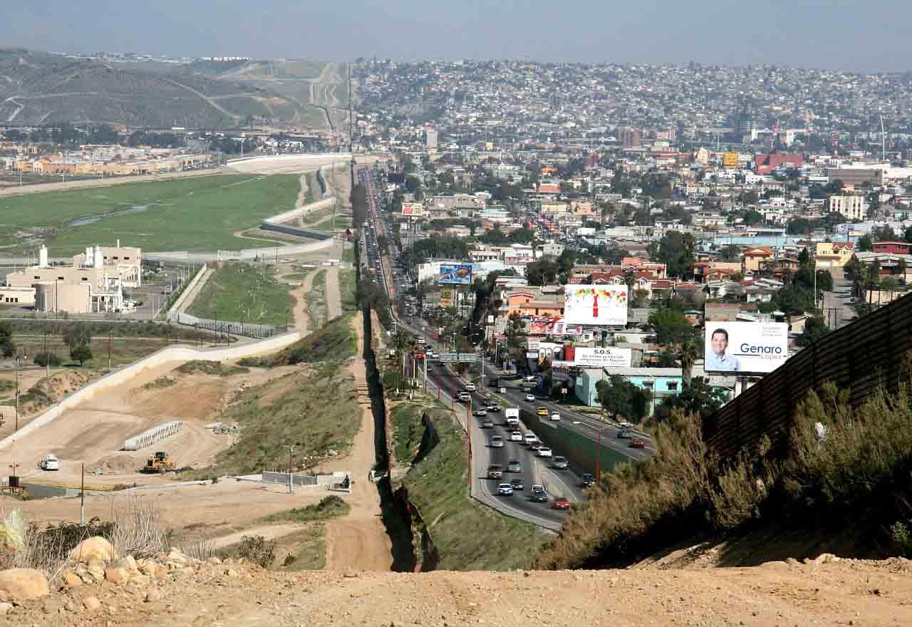 México alista cinco proyectos fronterizos con EE.UU.