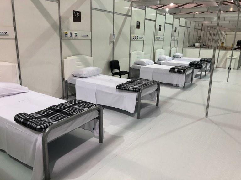 Brasil prioriza hospitales de campaña para combatir covid-19