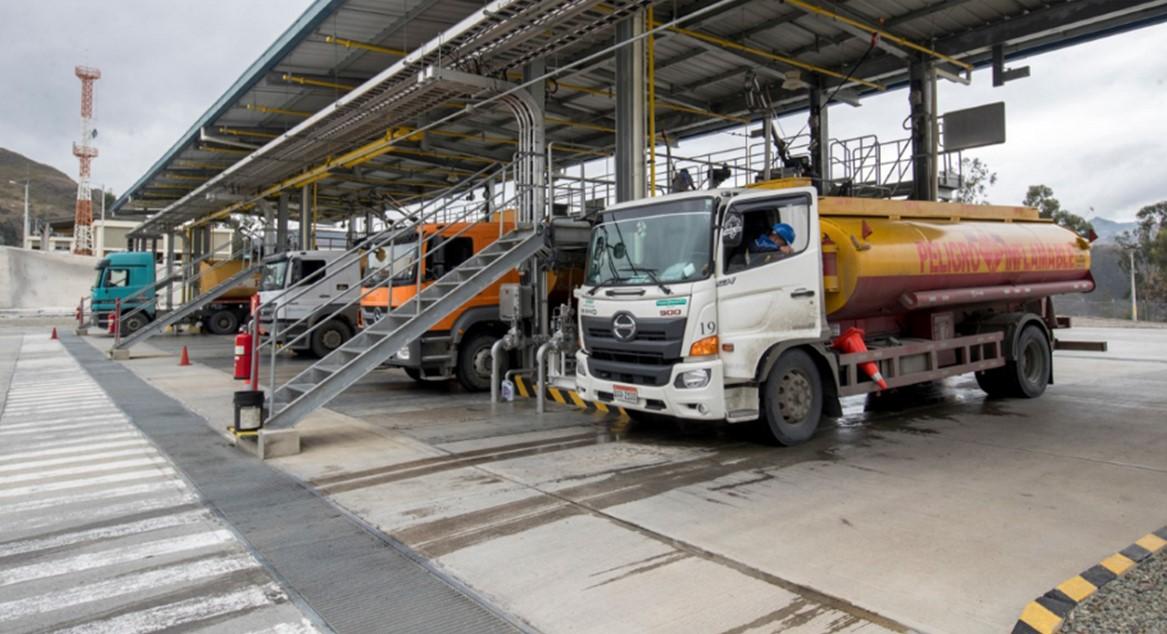 Demanda de combustibles sube 55% en sector automotor de Ecuador