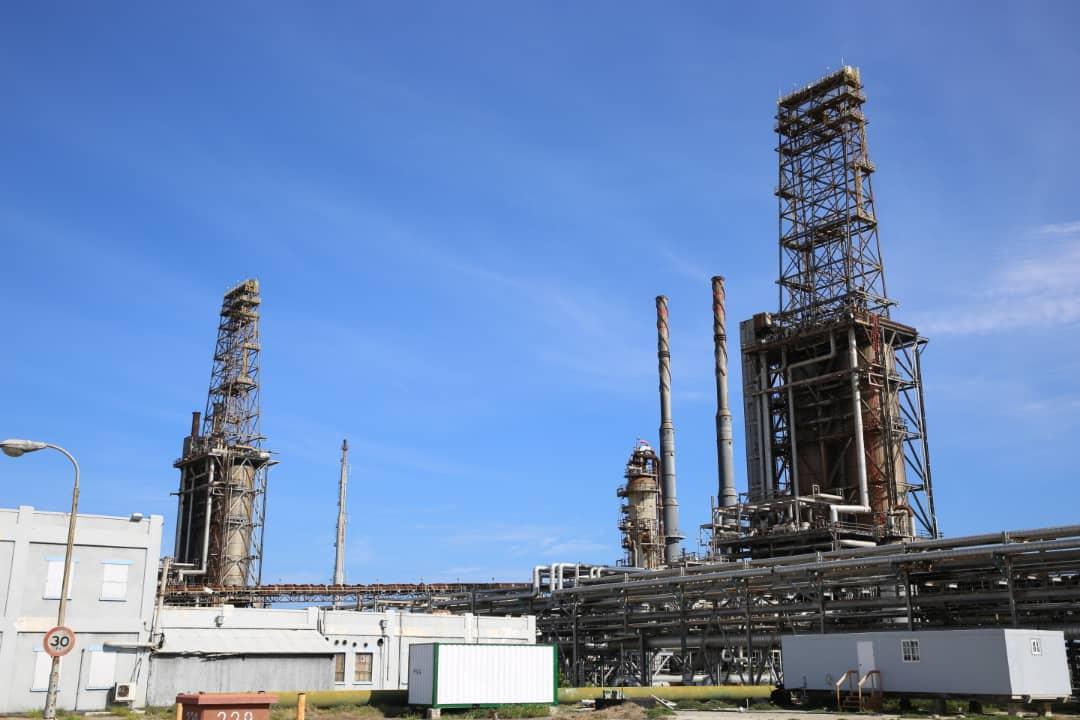 Venezuela, Aruba resume refinery, pipeline talks