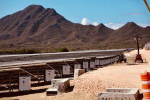 Presidente Abinader inaugura primera operación 100% renovable del Grupo AES en República Dominicana