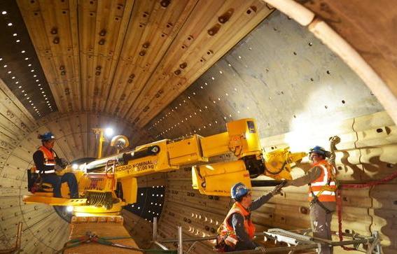 Ecuador alista inversión para sectores minero y energético