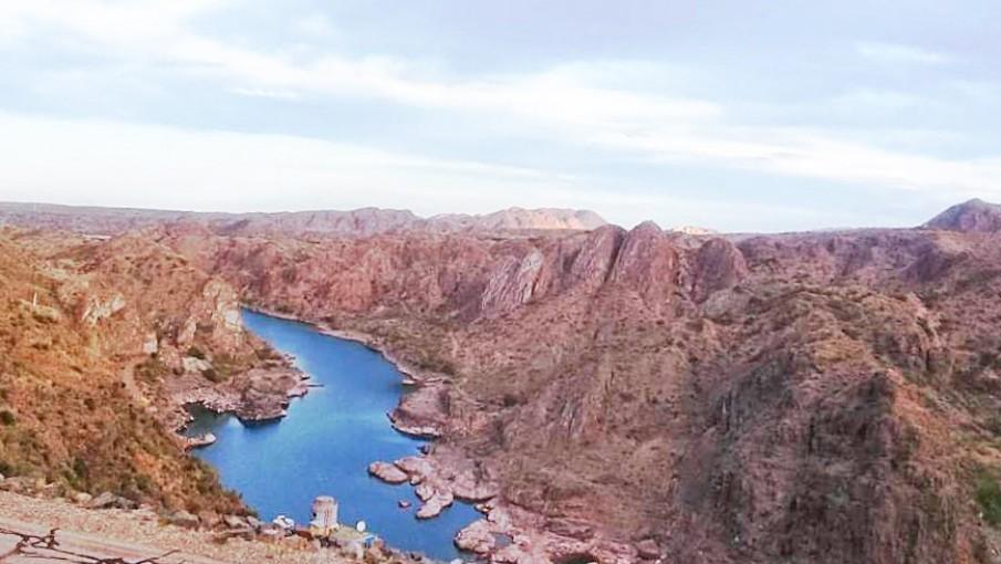Panorama de Argentina: proyecto hidroeléctrico, M&A, calificación de Fitch, acceso a la red