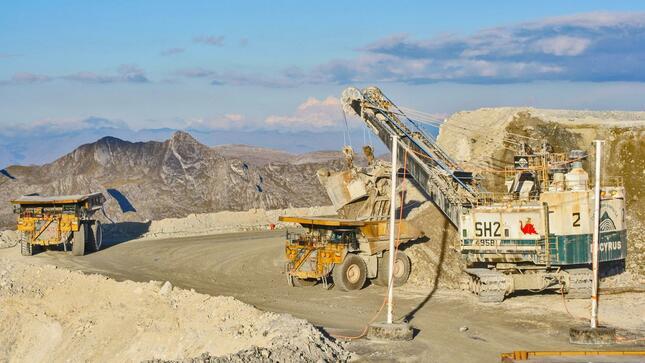 Inversión minera de Perú cae 15,5% en los 2 primeros meses