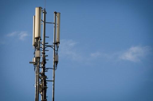 Salida de Telefónica de México vuelve a los titulares mientras trata de reducir deuda