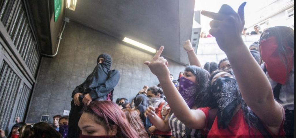 Gobierno chileno decreta estado de emergencia tras jornada de fuertes protestas