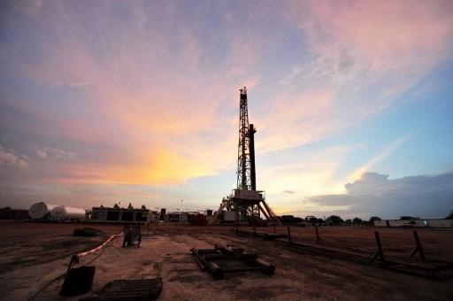 Petroleras que operan en Bolivia piden nuevas normas para la inversión