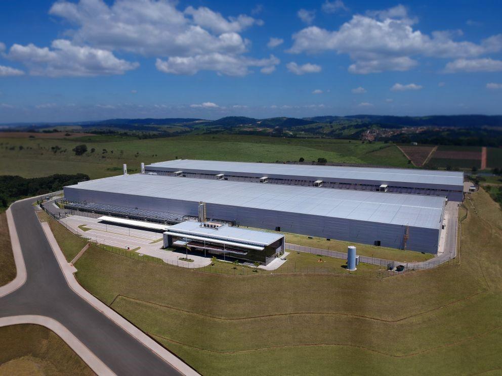 Brasileña Ascenty construirá nuevos centros de datos y expandirá red de fibra