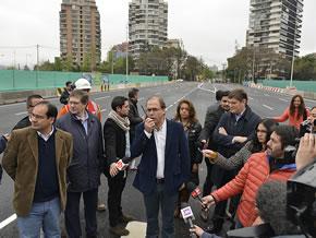 BREVES: Ministro inaugura puente en Santiago