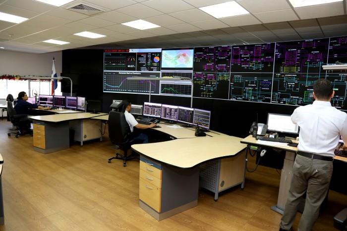 Panamá reanuda licitación de suministro eléctrico