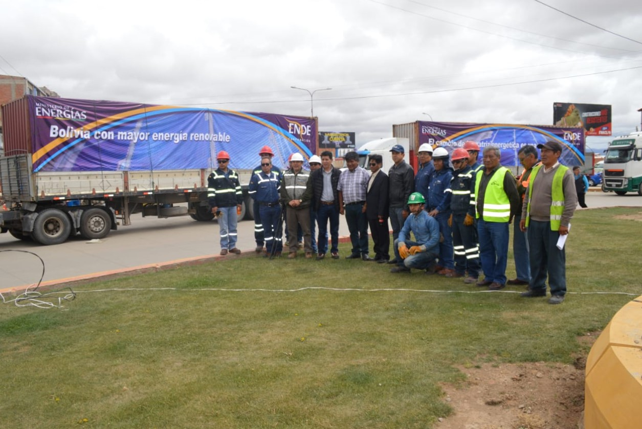 Oruro Solar Plant will have 151 thousand solar panels, ENDE Corporation receives the first
