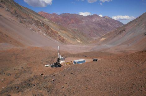 Chile y Argentina se enfrentan por túnel de Agua Negra