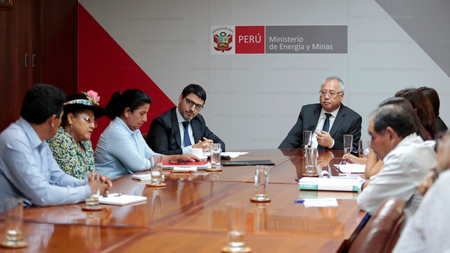 Peruvian Minister of Mines meets with mayors from mining regions to promote activity