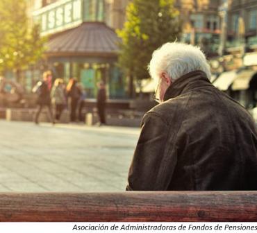 Panorama de pensiones: propuesta de nacionalización en Chile, reforma en Perú