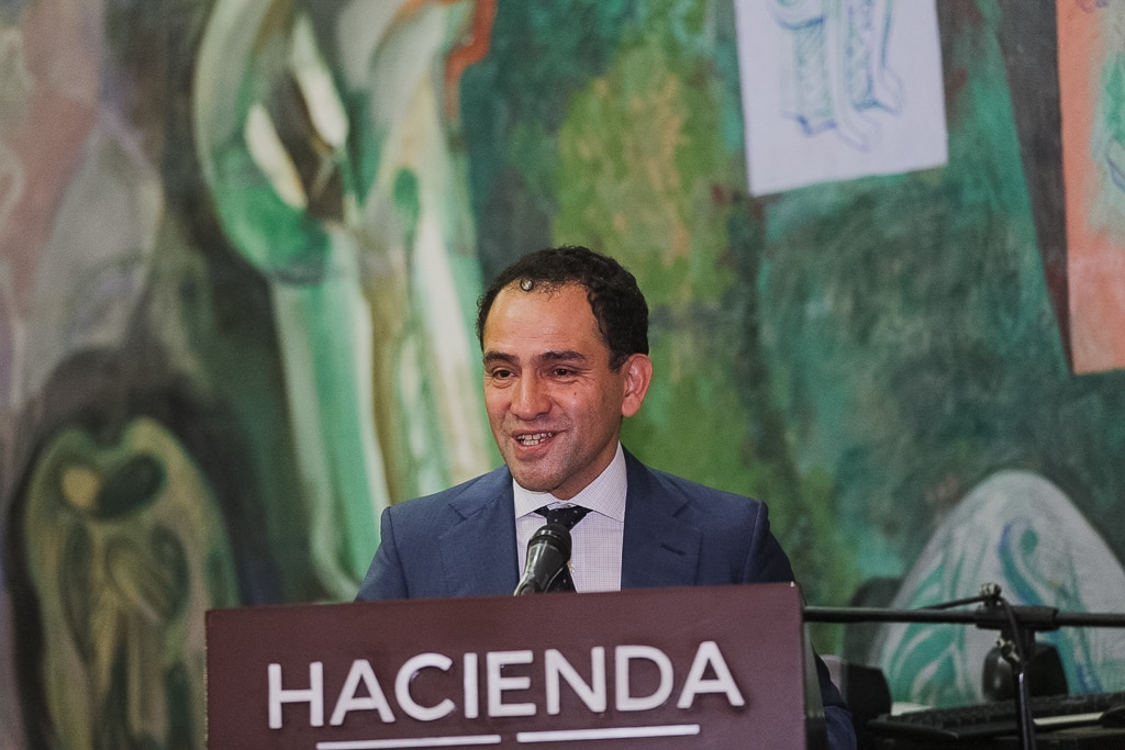 Mexico to develop major insurance reforms in coming weeks