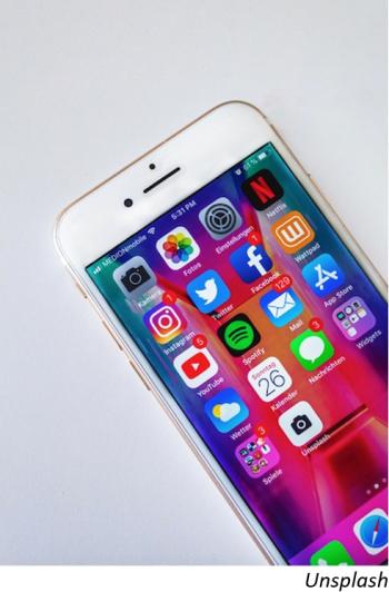 Redes sociales superan a banca en estudio mexicano de TIC