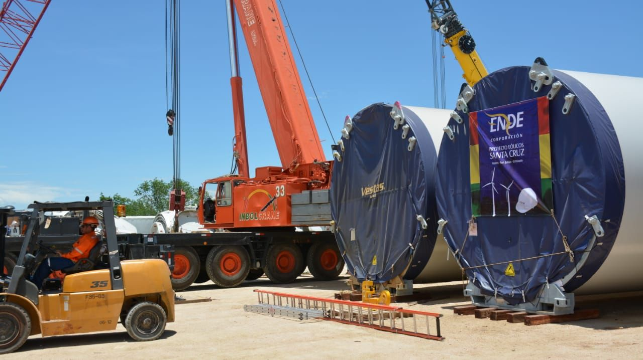 The first wind turbines for the Santa Cruz wind project run by Ende arrived in Puerto Jennefer