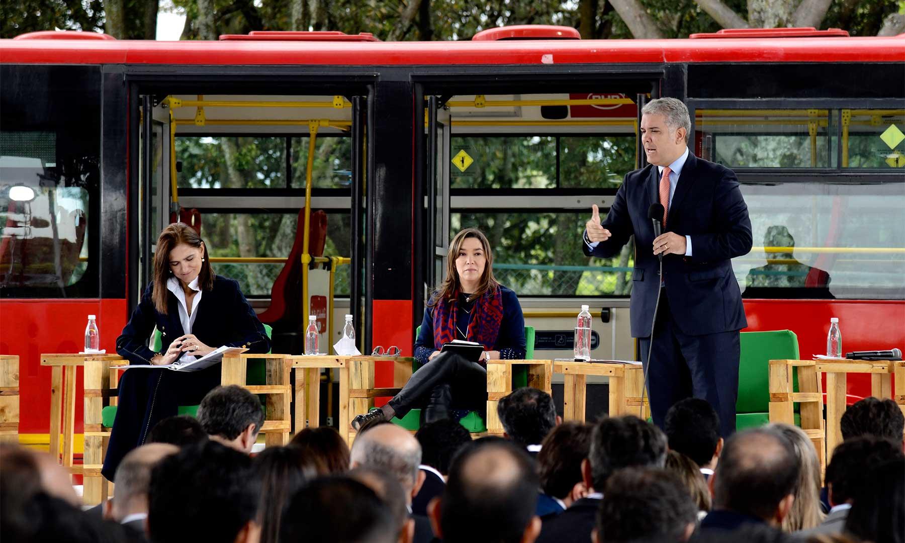Colombia lanza Estrategia Nacional de Movilidad Eléctrica y Sostenible