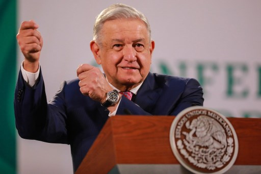 Former commissioners slam AMLO's move to scrap key agencies