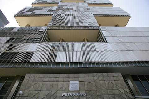 Petrobras una vez más en el ojo del huracán