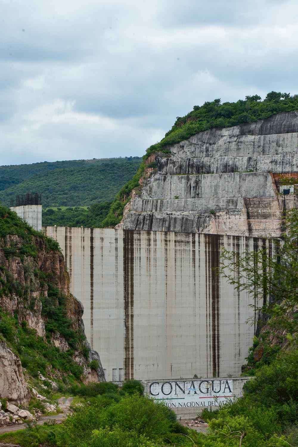 AMLO secures continuity of water megaproject, negotiates another