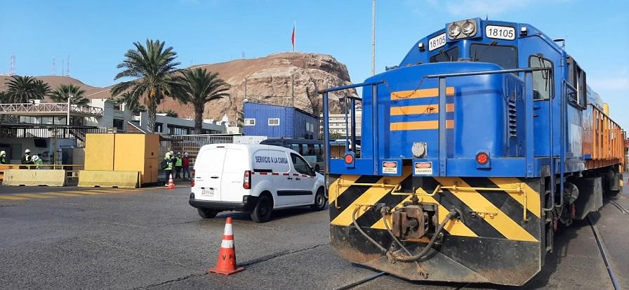 Camioneros bolivianos protestan contra reactivación de tren Arica-La Paz