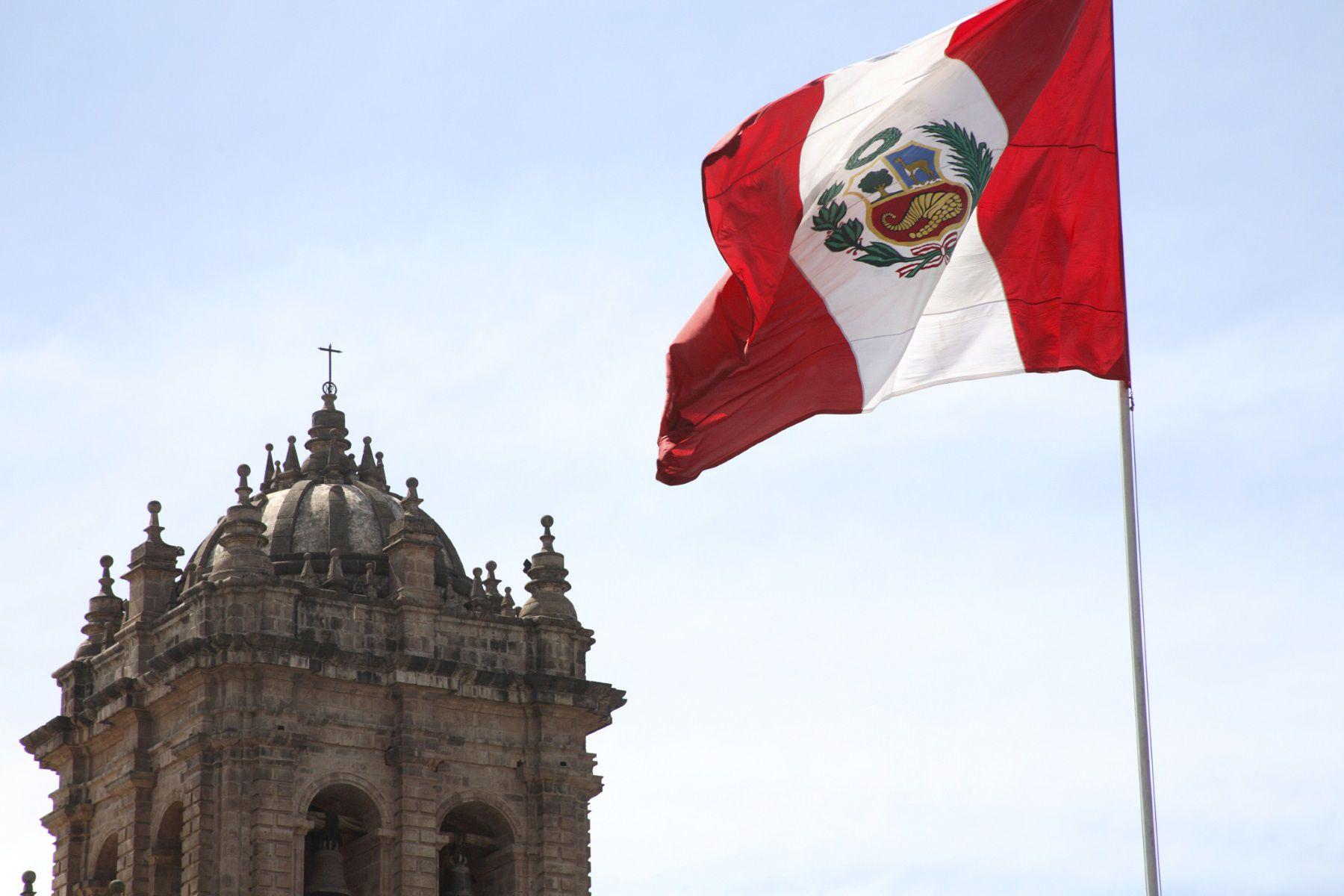 Peru pushing ports, airports, railways through 2021