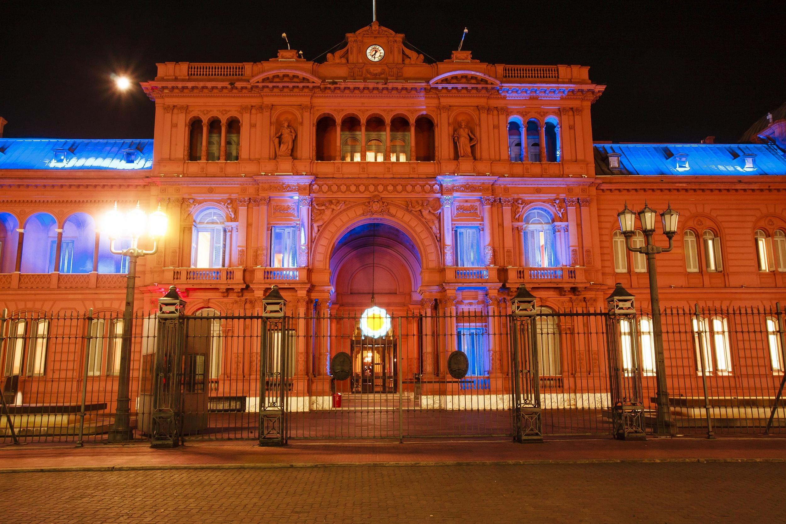 Argentina sale al rescate de provincias en dificultades