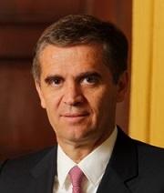 Chile forma comisión de crecimiento y equidad para trazar hoja de ruta tributaria