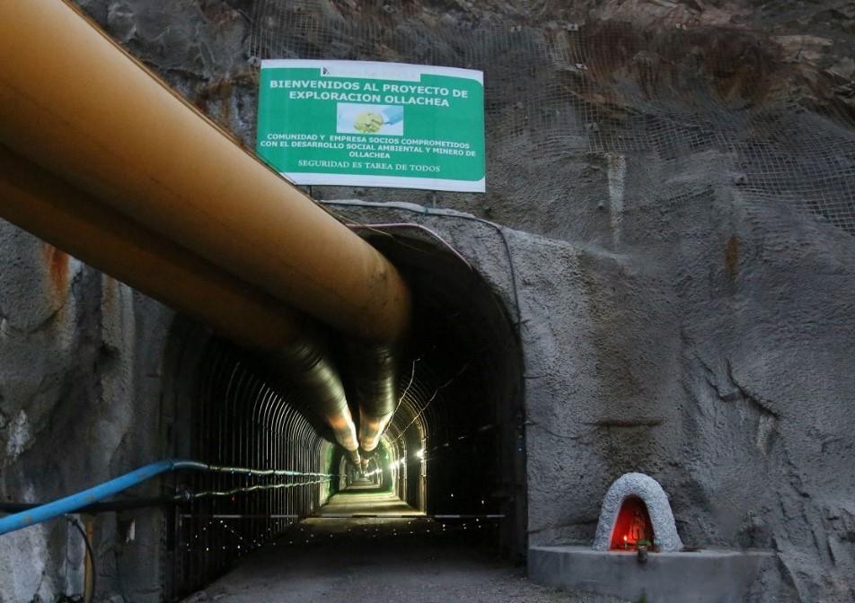 Minera IRL redimensiona proyecto de oro Ollachea en Perú