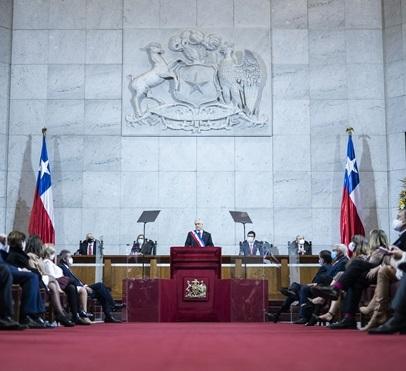 Chile anuncia inversión pública de US$34.000mn para reactivar alicaída economía