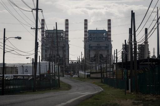 Puertorriqueña AEE asegura que 99% de abonados ya tiene electricidad