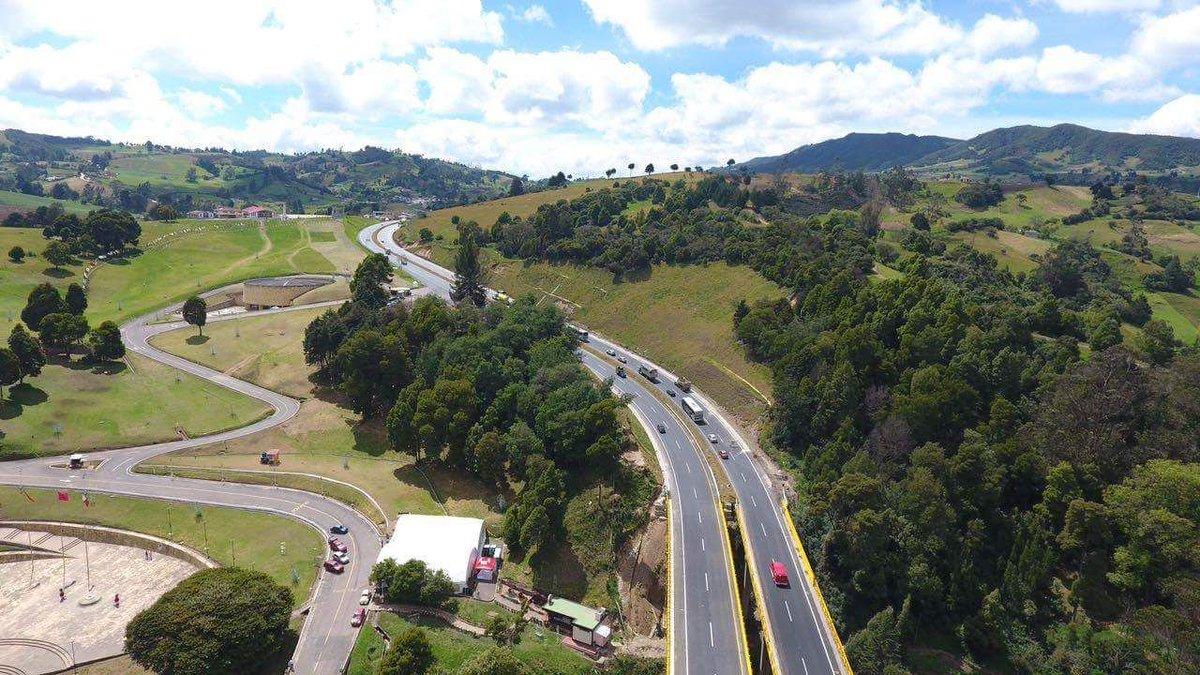 Macquarie adquiere control de concesión vial colombiana