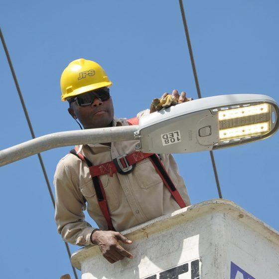 JPS alcanza el éxito en las farolas: más del 80% de las farolas de la isla ahora son LED inteligentes