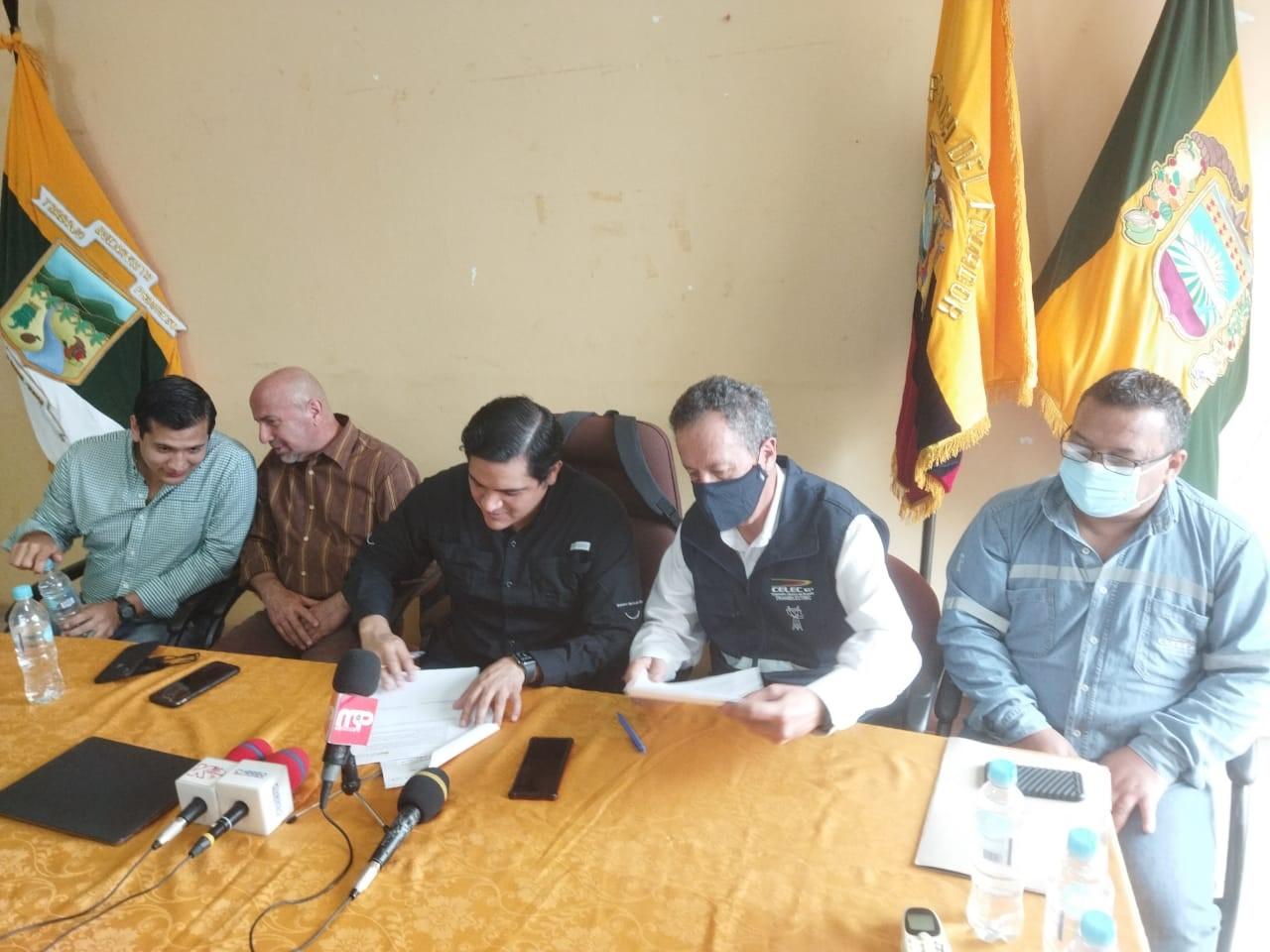 CELEC EP y representantes del sector bananero firman acuerdo sobre el trazado de la línea de transmisión de la Interconexión Ecuador - Perú a 500 mil voltios