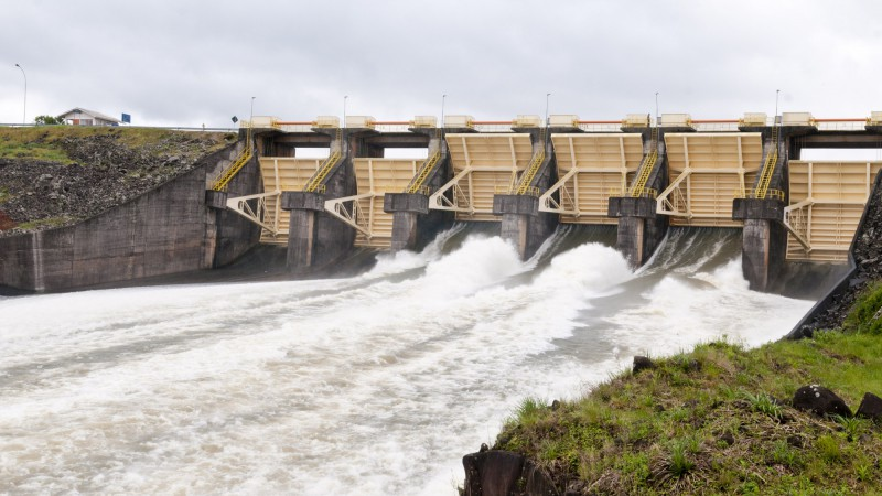 Brasil pretende mejorar contratos de centrales hidroeléctricas