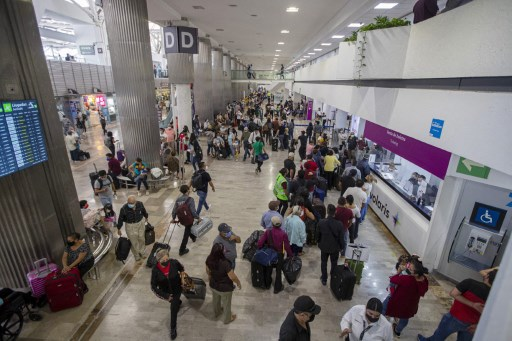 Mexican airport operators, airlines face credit pressure if downgrade not lifted soon