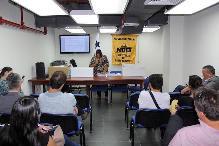 Contrato por carretera en Panamá recibe 7 ofertas