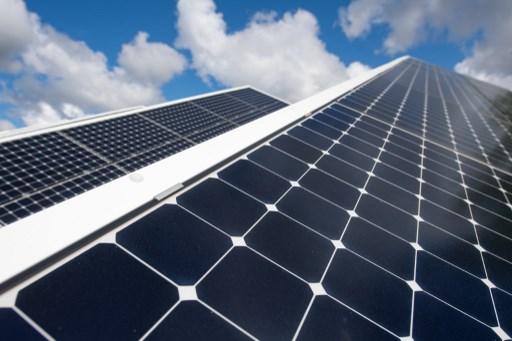 Brasileña Alsol construirá dos parques solares