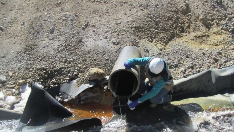 Perú declara emergencia por contaminación de agua en Moquegua
